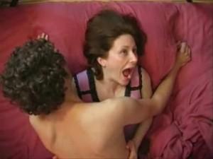 Імітувати оргазм